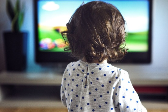 Просмотр телевизора и задержка развития речи у детей тесно связаны