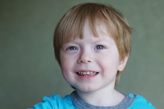 Если ребенок не выговаривает р после пяти лет, то необходима консультация логопеда