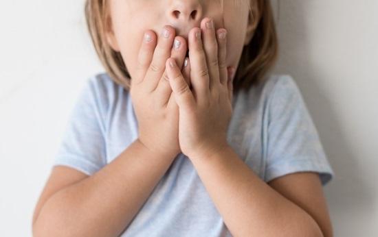 Заикание может быть вызвано разными причинами