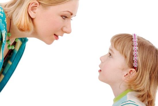 Родители могут сами заметить нарушение просодической стороны речи у ребенка