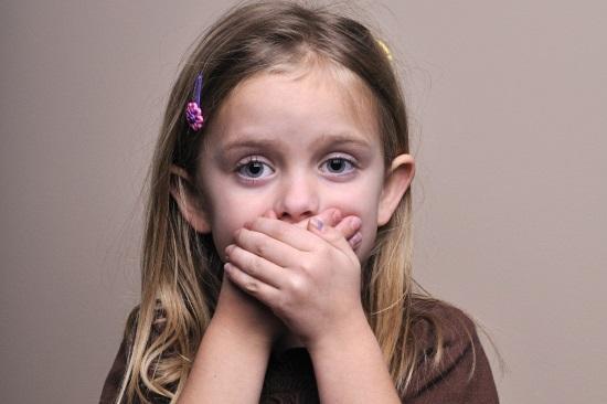 Девочка с нарушением развития речи