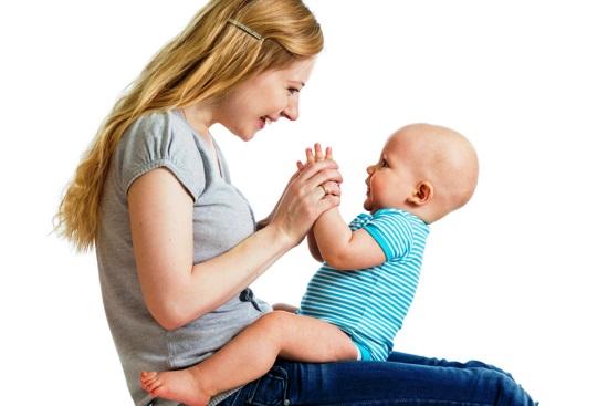 Игры-потешки с малышом